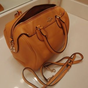 Lightly used Coach purse!